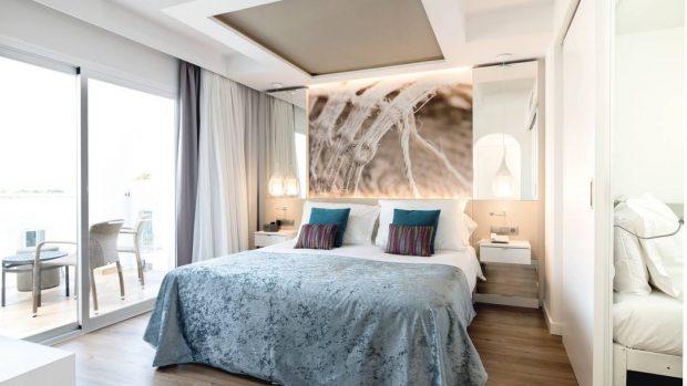 Elegant family rooms